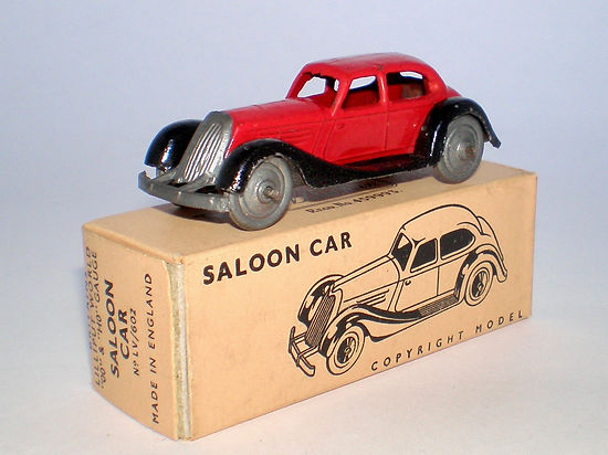 Britains Lilliput Vehicle LV/602 Saloon Car Red & black, metal wheels, with box