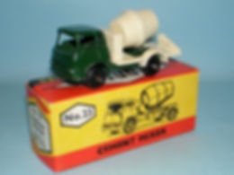 Budgie Miniatures No.23 Cement Mixer - dark-green