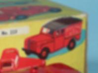 Benbros Qualitoys 223 Royal Mail Land Rover box
