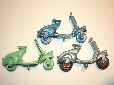 Benbros No.15 Vespa Scooter 3 casting variations
