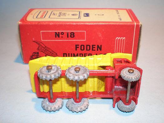 Morestone Esso Petrol Pump Series No.18 Foden Dumper - underside
