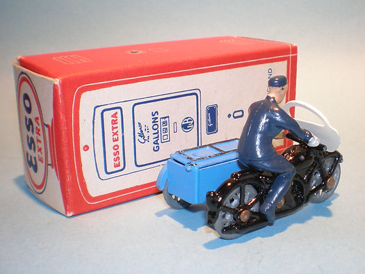 Morestone Esso Petrol Pump Series No.2 RAC Motorcycle
