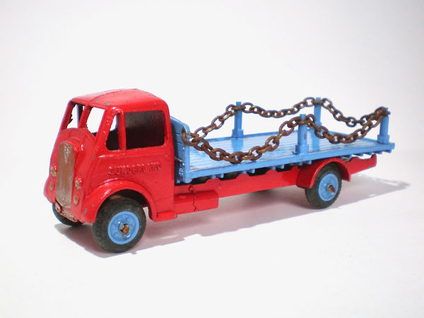 Benbros Qualitoys Flat Truck with Chains - red & blue model with blue wheels