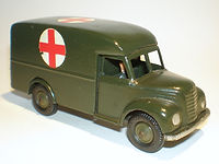 Britains Lilliput Vehicle Series LV/618 Army Ambulance