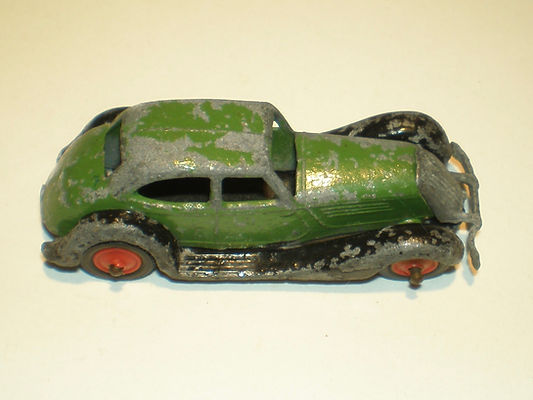 Britains Lilliput LV/602 Saloon Car - mid-green & black, red plastic wheels & black tyres