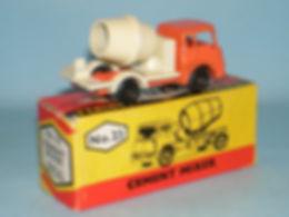 Budgie Miniatures No.23 Cement Mixer - orange cab