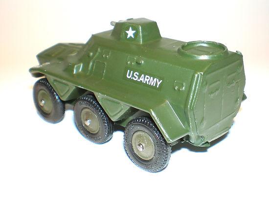 Britains Liliput Vehicle Series LV/615 Saracen Armoured Personnel Carrier