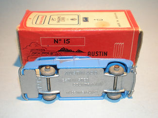Morestone Esso Petrol Pump Series No.15 Austin Countryman - base detail
