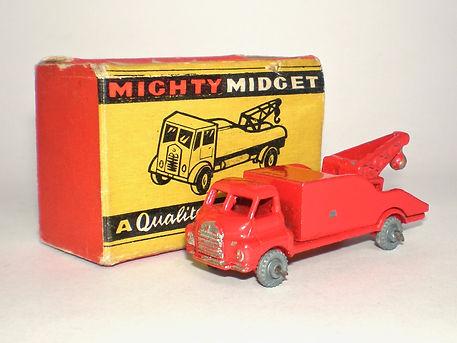 Benbros Mighty Midget No.33 Breakdown Lorry - bright red Bedford variation