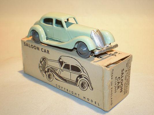 Britains Lilliput LV/602 Saloon Car - pale-green, grey plastic wheels