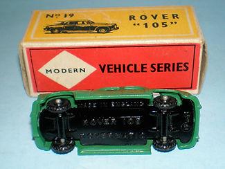 Budgie Miniatures No.19 Rover 105 glossy black base