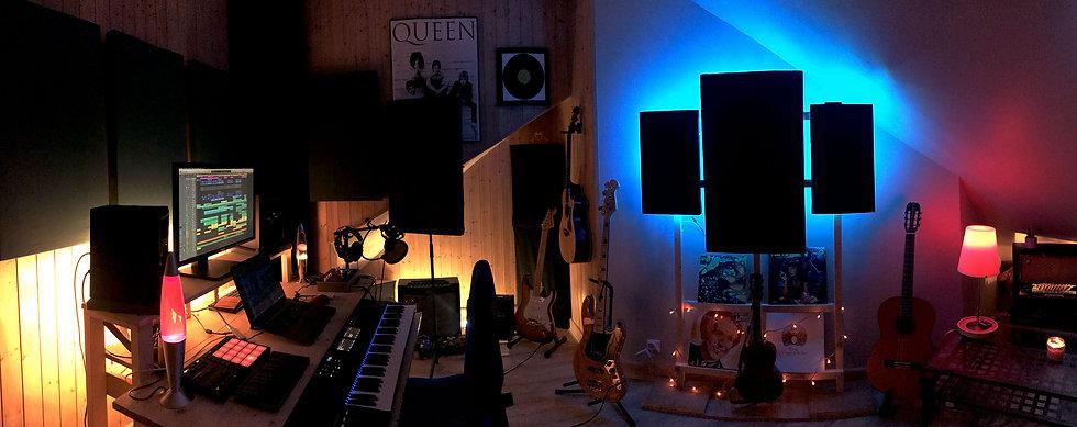 Pano_studio.jpg