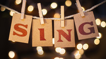 Kann das Singen Ihnen einen natürlichen Höhepunkt geben?