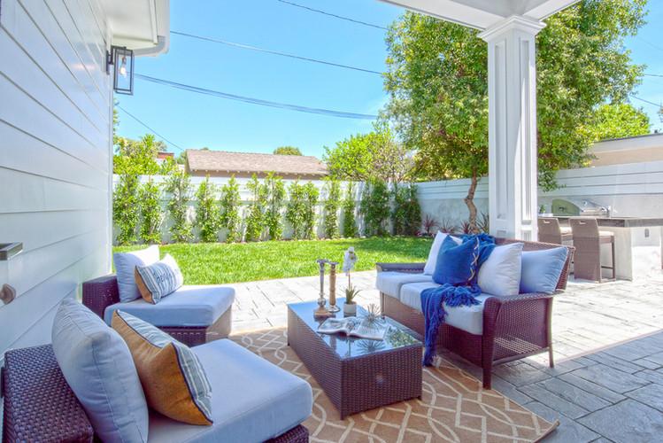 outdoor-living-room-los-angeles.jpg