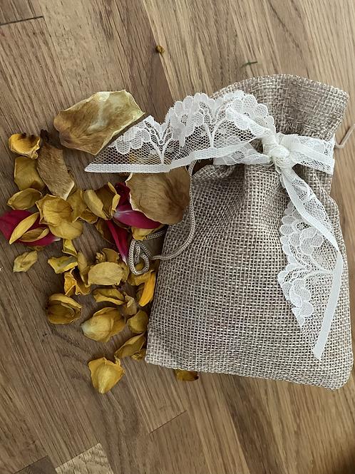 Natural hessian rose confetti pouches