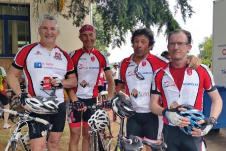 Eric, Jean-Marc, Jean-Luc et Jean-Pierre à l'arrivée de la Limousine