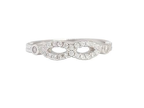 Infinity Style Design Wedding Band in 925 Sterling Silver