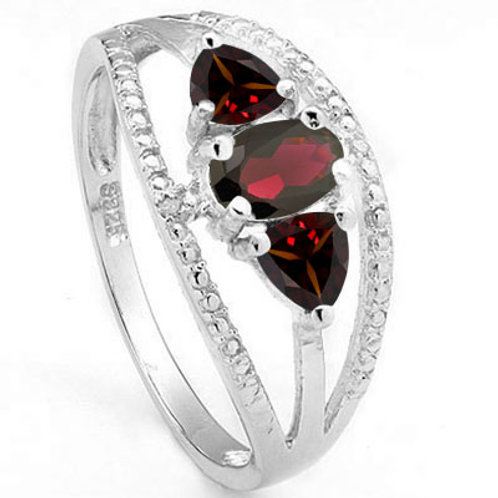 1.36ctw Garnet and Diamond Ring in 925 Sterling Silver- Size 7