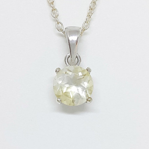 0.7 ct Natural Yellowish Quartz Pendant in 925 Sterling Silver