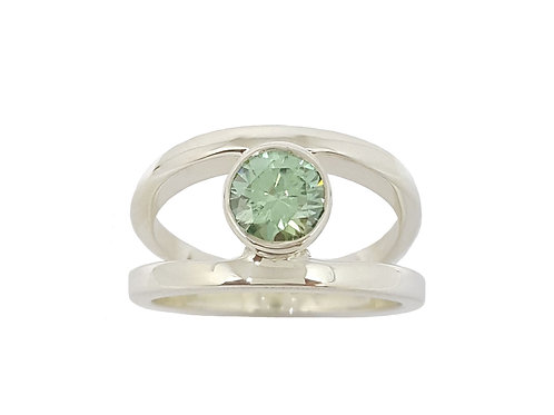 *CD DESIGNER* 1.041ct Green Moissanite Ring in 925 Sterling Silver