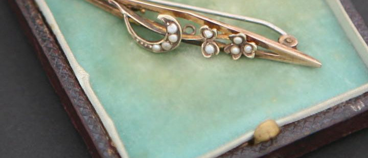 Antique Gold Seed Pearl Brooch