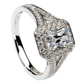 HER05 Halo Engagement Ring