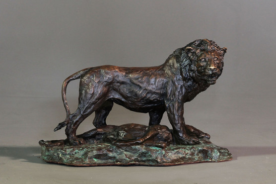 Lion with Kill. Height 23cm x 33