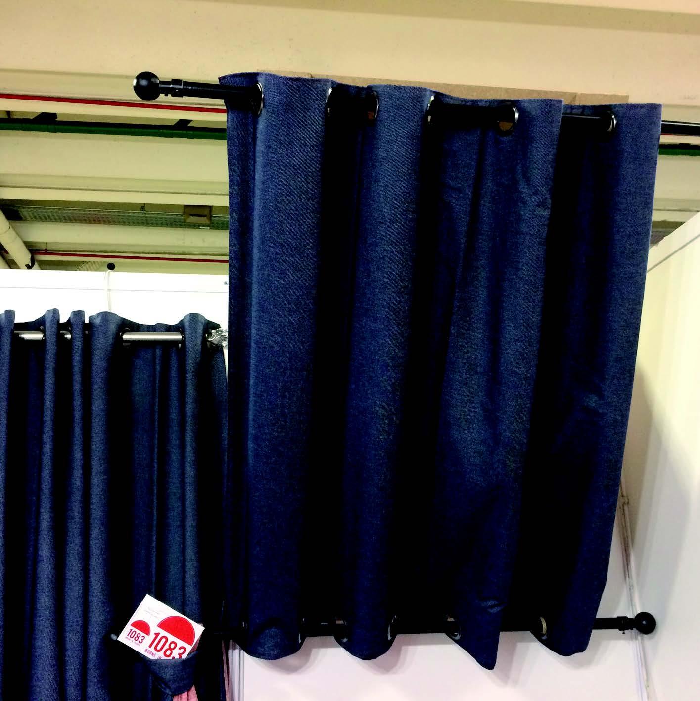 comment mettre des rideaux sur un velux  rideaux velux
