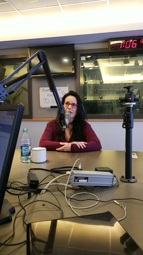 Part 1 Professional Cuddler, Robin Marie is in studio with #midday!