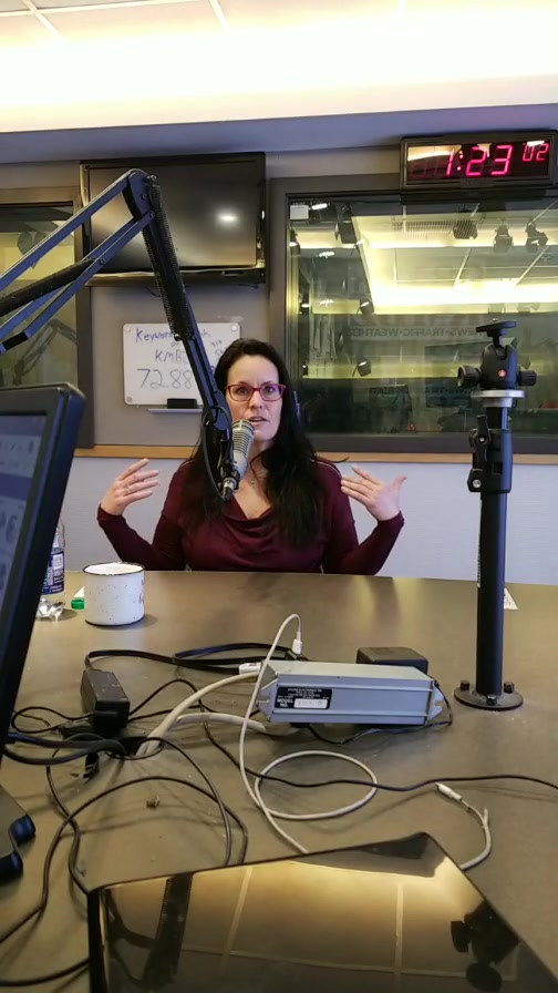 Part 2 Professional Cuddler, Robin Marie is in studio with #midday!