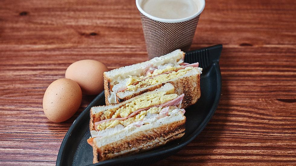 Fish Patty, Egg and Ham Toast 鱼排蛋与火腿吐司