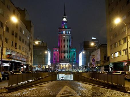 Ativistas LGBT comemoram arco-íris na Polônia e pedem mais ação