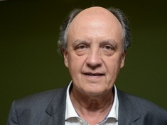Promotor simpatizante da CUT persegue Olavo de Carvalho.
