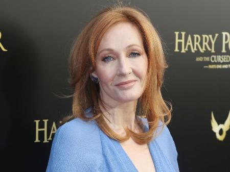 JK Rowling recebe ameaças violentas de ativistas trans
