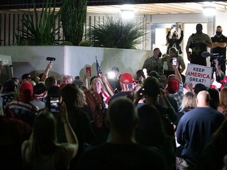 Apoiadores de Trump exigem acesso à contagem de votos no Arizona
