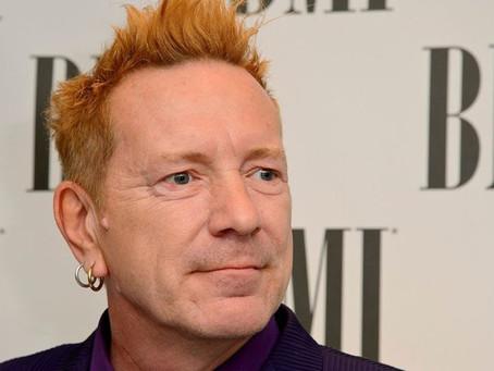 """Johnny Rotten: os Democratas """"vão sufocar a luz do dia de vocês"""""""