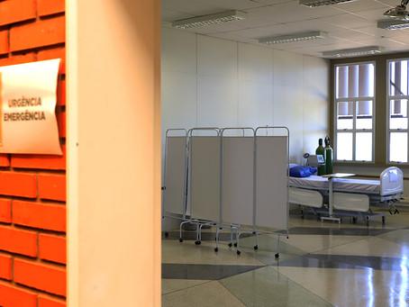 Familiares de internados no Hospital de Campanha são obrigados a lavar roupas dos pacientes