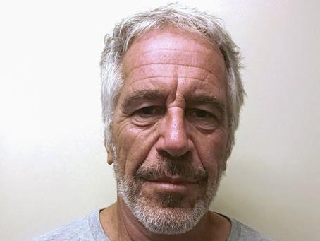 Guardas da prisão de Jeffrey Epstein admitem falsificar registros