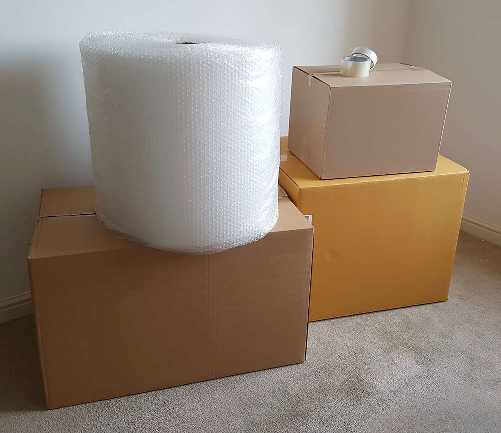 Boxes & packing materials