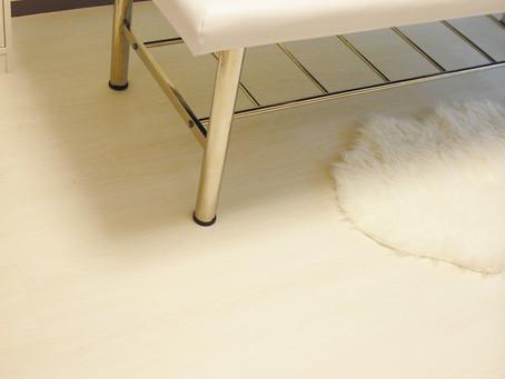 サロンの床について