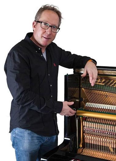 Frank Weschenfelder,Klavierbau,Klavierstimmer,Forst