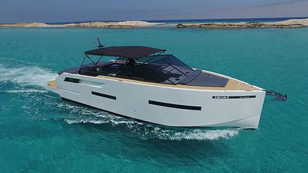 De Antonio Yachts_D46 Open_13.JPG