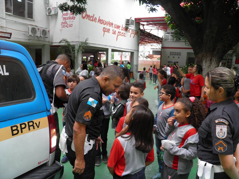 Policia Educativa18
