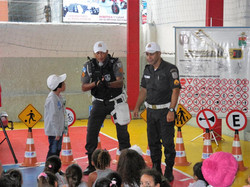 Policia Educativa02