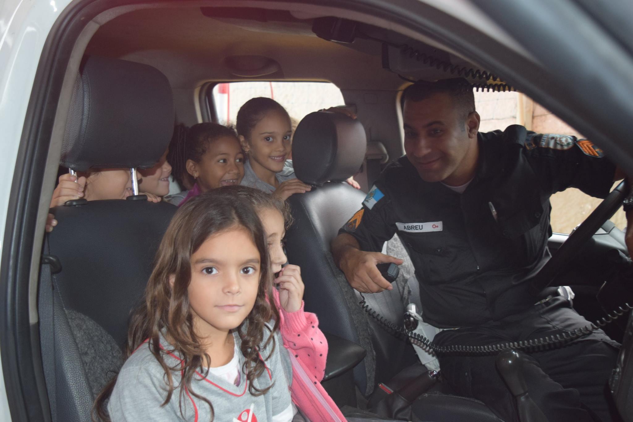 Policia Educativa13