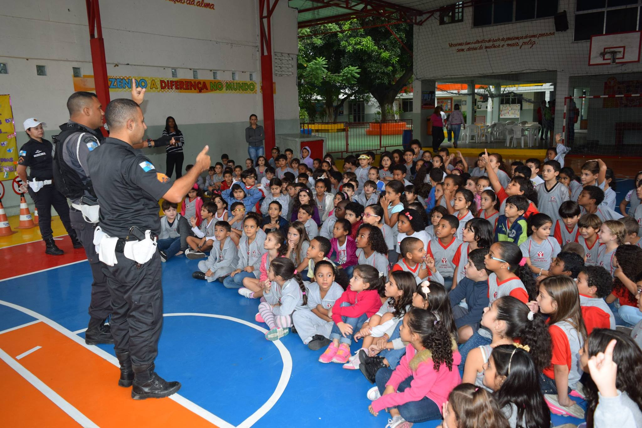 Policia Educativa11