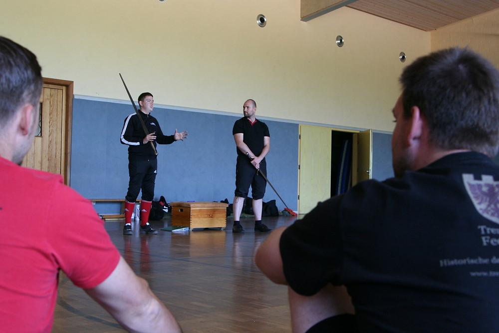 Paul Becker (links) & Thore Wilkens (rechts) bei Pauls Methodik-Übung