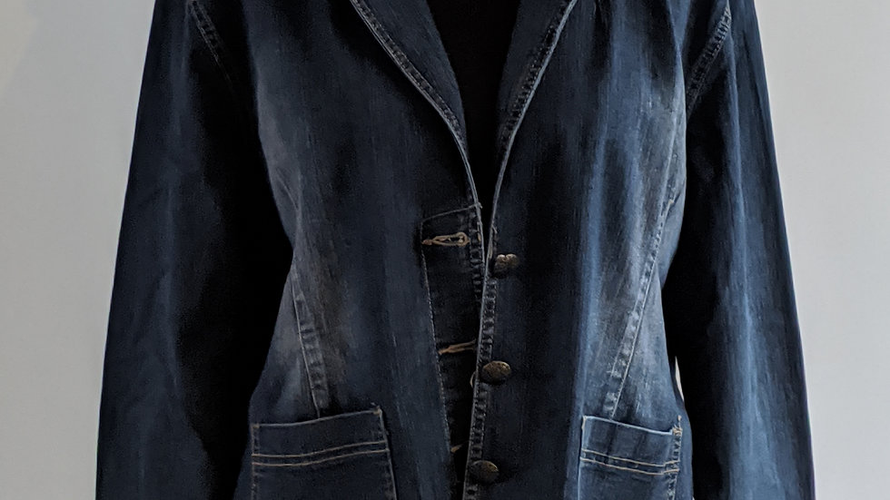 Stretchy lapelled denim jacket size 16 SOLD