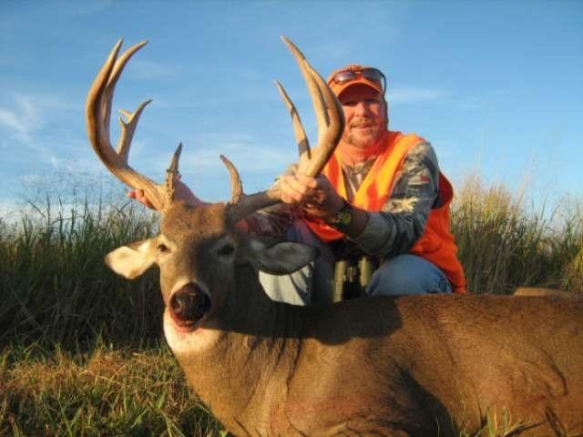 Central Kansas Whitetails, Kansas Deer Hunting, Whitetail