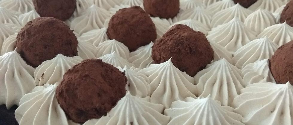 עוגת בראוניז וטרפלס